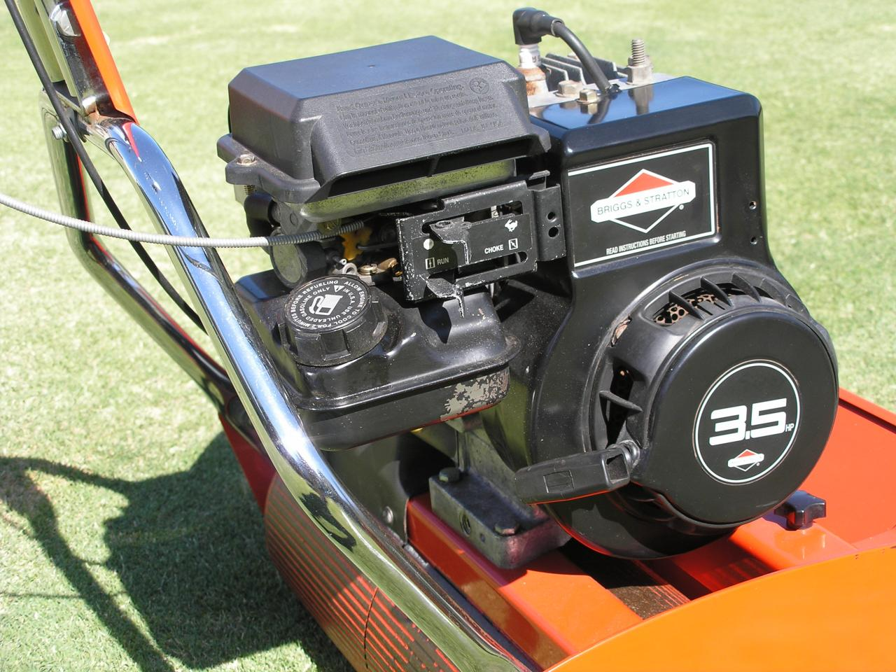 Briggs Stratton Surging Outdoorking Repair Forum Small Engines Lawn Mowers Etc Govenor Im Wondering If Someone Can Help With A Problem I Have Rover Cylinder Mower That Surges At Idol And Full Throttle