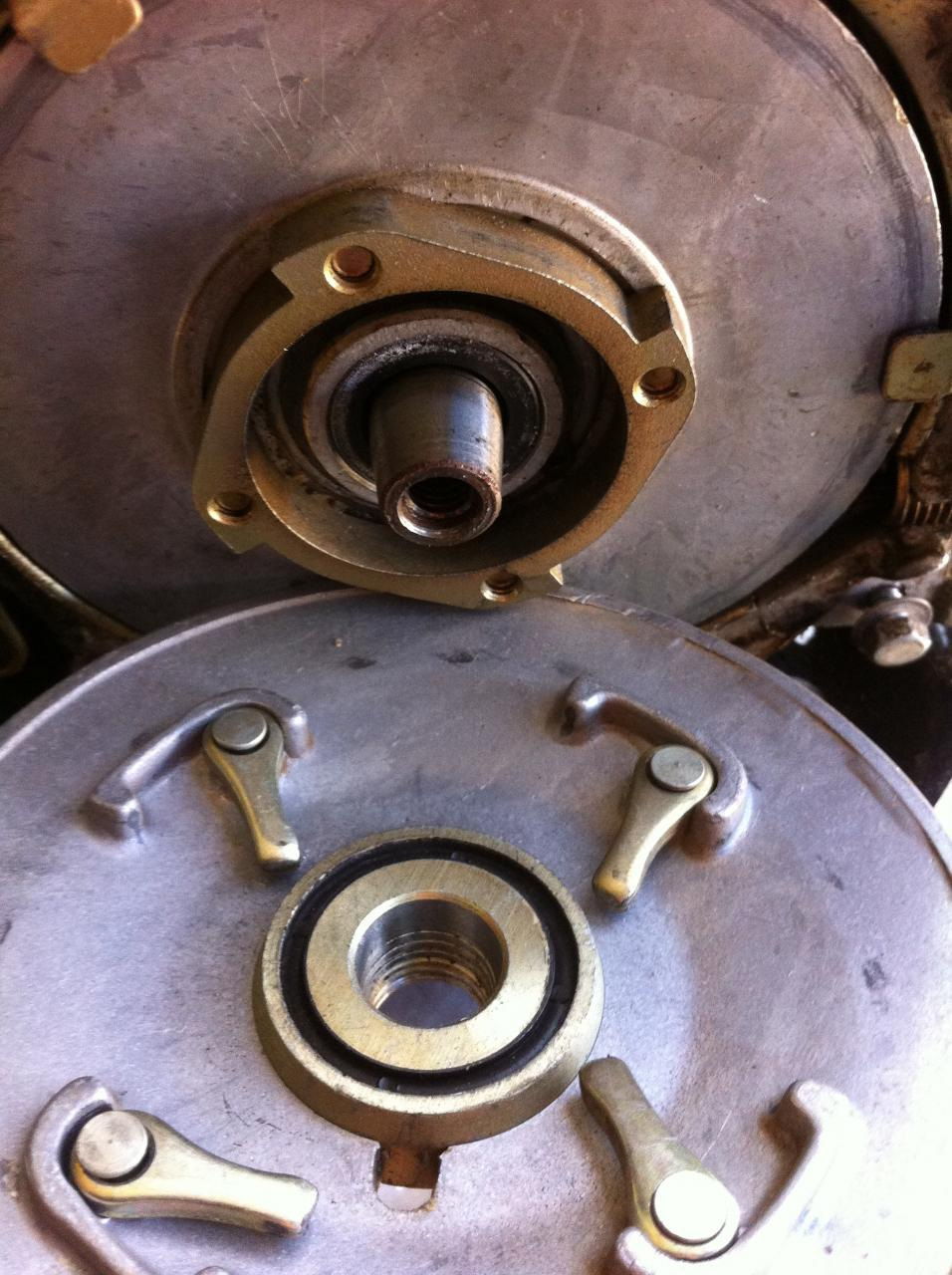 Honda E300 Generator Flywheel Removal Outdoorking Repair Forum Wiring Diagram As Norm And Gadge Stated Correctly Screwing In A 14mm Bolt Enabled The Fan To Pull Off Crankshaft